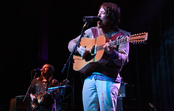 Fleet foxes concert at Fox theater, with the cave singers as opener