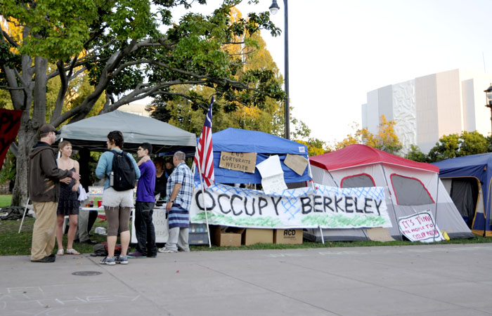 Occupy Berkeley protesters setting up tents in Martin Luther King, Jr. Civic Center Park in early October.