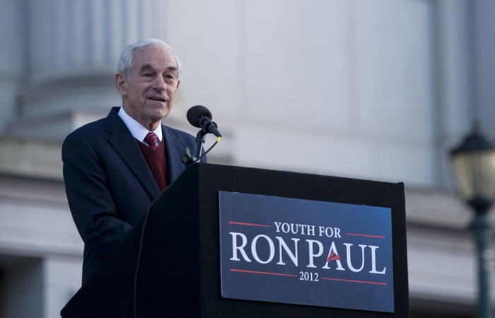 Congressman Ron Paul spoke on the steps of Doe Library.