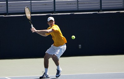 The Cal men's tennis team advanced to Friday's semifinals after taking down Washington, but couldn't take a single match against UCLA in a 5-0 loss.