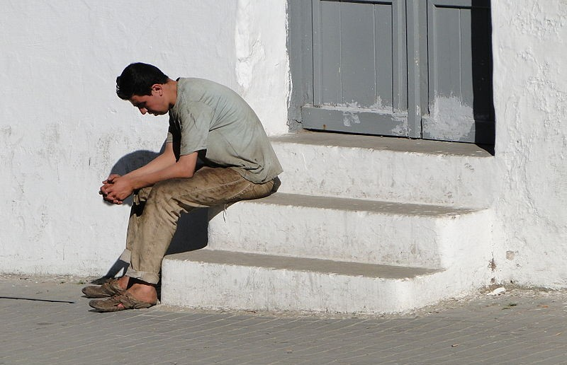 800px-Young_Man_Pondering_-_Tangier_-_Morocco