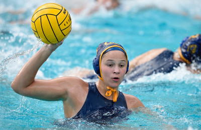 womenswaterpolo_AnnaIlles_courtesy