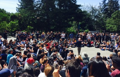 UC Berkeley professor Robert Reich teaching his Wealth and Poverty class outside Wheeler Hall.