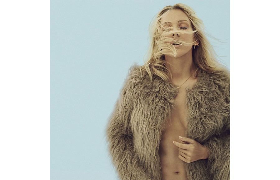 Ellie Goulding Makes Pure Pop In Delirium The Daily Californian