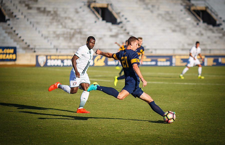 Cal men's soccer loses on last-second goal vs. UCLA