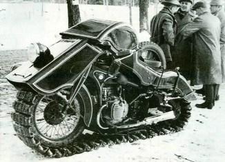 BMW moto nieve