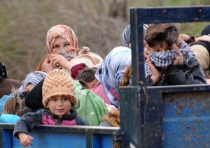 """Ministry of Foreign Affairs spokesperson Badr Abdelatty said in a statement that a total of 171 """"Syrian and Palestinian immigrants"""" have been granted three-month residency permits out of a total of 206. (AFP File Photo)"""