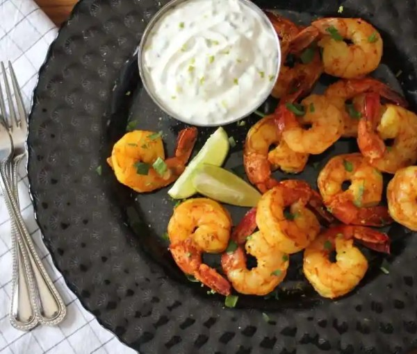 Indian-Spiced Shrimp with Tzatziki, Lime & Cilantro Yogurt Dip #FreshAPPYS