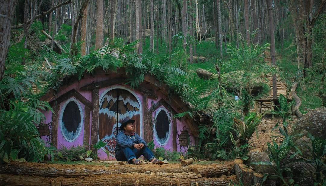 alamat dan harga tiket masuk rumah hobbit jogja destinasi wisata baru di bantul rasa new