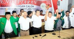 Cagub-Cawagub Hadi-Don yang diusung oleh PKS, Gerindra, PKB, PPP, PKNU, dan Hanura saat mendeklarasikan di Gedung KPUD Jawa Tengah, Selasa (5/3/2013). (pksjateng.or.id / Ipung)