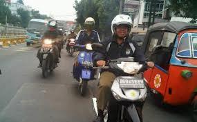 """Walikota Depok naik Sepeda motor dalam Rangka """"One day no car"""""""