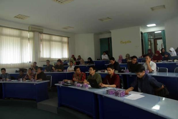 Peserta lokakarya Forsi Himmpas Indonesia, Ahad (28/4/2013), di Pasca sarjana Universitas Jenderal Soedirman (Himapas Unsoed) Purwokerto. (ist)