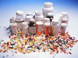 Sebagian besar bahan baku obat-obatan adalah barang impor (inet)