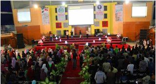 Musyawarah Pimpinan Nasional II Forum Silaturrahim Lembaga Dakwah Kampus Indonesia (FSDLK Indonesia) yang juga bertepatan dengan momentum Sarasehan Nasional LDK 2013, Jum'at (22/11/2013) di Institut Pertanian Bogor. (Rahayu Fitri Indriyani)