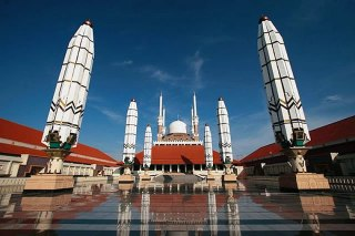 Ilustrasi - Masjid Agung Jawa Tengah. (travel.nationalgeographic.com / Aditya Aji Nugraha)