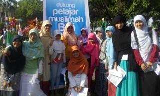 Aksi Solidaritas PII NTB untuk mendukung perjuangan muslimah Bali berjilbab - Foto: suara-islam.com
