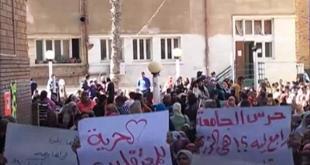 Aksi unjuk rasa para mahasiswa yang menentang kudeta militer (aljazeera)