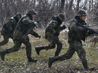 Di antara latihan pasukan Ukraina (ukrainapress)