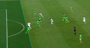 Tayangan ulang ini membuktikan Dzeko tidak berada dalam posisi offside.