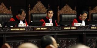 Majlis Hakim Mahkamah Konstitusi (MK) menggelar sidang sengketa Pilpres 2014 di Gedung MK, Jakarta. Jumat, 8/8/14.   (tribunnews.com)