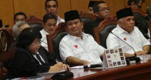 Prabowo-Hatta dan Petinggi partai koalisi hadir  pada sidang perdana sengketa pilpres yang di gelar MK hari Rabu, 6/8/14.  (kompas.com)