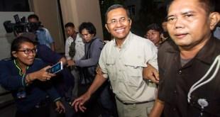 Dahlan Iskan ditetapkan sebagai tersangka kasus dugaan korupsi pembangunan 21 gardu listrik induk Jawa, Bali, dan Nusa Tenggara Barat (NTB) senilai Rp 1,063 triliun.  (okezone.com)