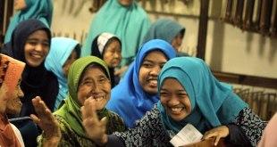 (Foto) Hamasah FISIP UI Berbagi Kebahagiaan di Panti Werdha