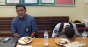 MA (kanan) dan ayahnya, Adnan Achmad (kiri). (Foto: tribunnews)