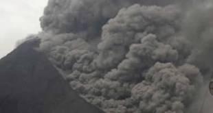 Ketika Gunung Merapi meletus lagi tanggal 31 Okt 2010 (AP Photo)