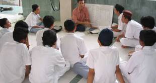 Ilustrasi - Mentoring keislaman di sebuah masjid sekolah. (flickr.com/array064)