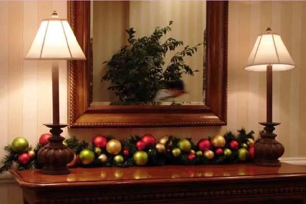 Hermosas ideas para decorar con esferas en navidad for Ideas decorativas home