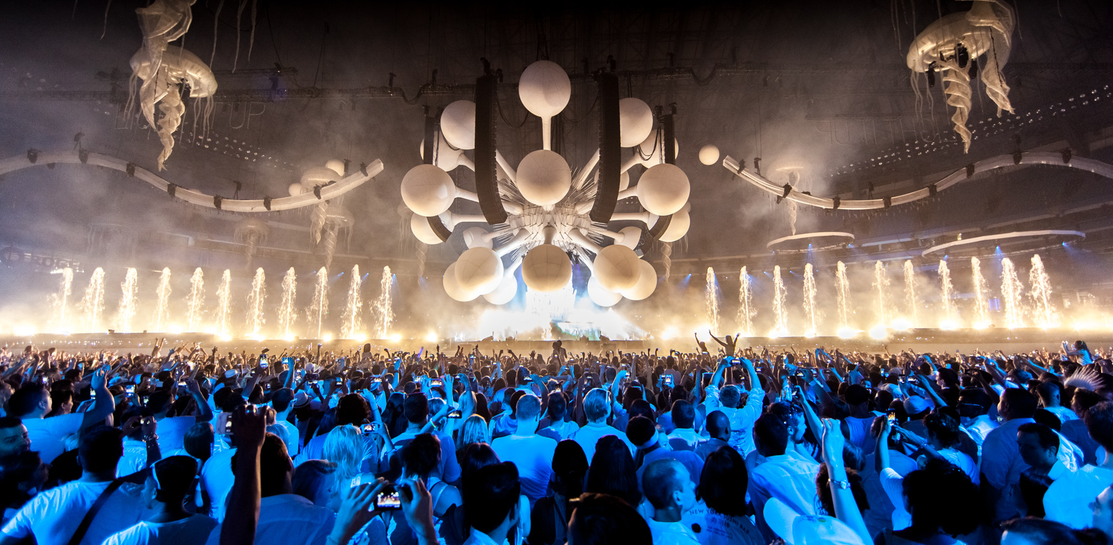 "Sensation Presents First U.S. Tour ""The Ocean Of White"""