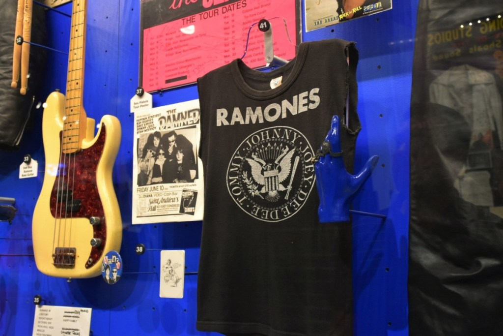 rock-and-roll-hall-of-fame-experience-4