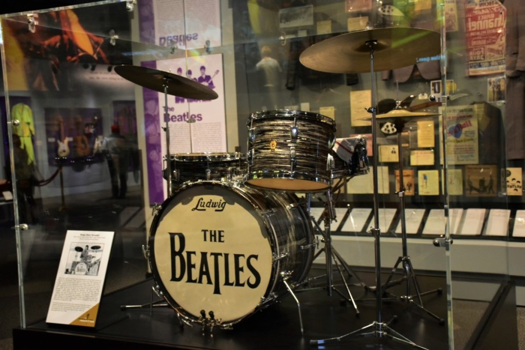 rock-and-roll-hall-of-fame-experience-5