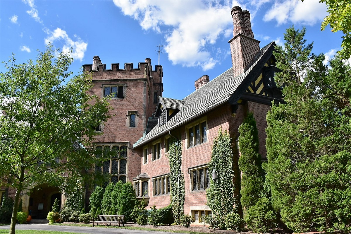 Stan Hywet Hall and Gardens   A Midwest Treasure