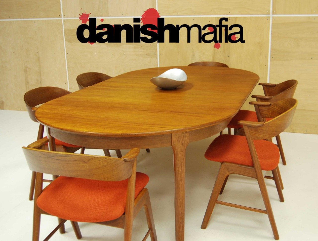 mid century danish modern huge teak dining table oval extension 2 leaves eames mid century kitchen table MID CENTURY DANISH MODERN OVAL Henning Kj rnulf TEAK TABLE