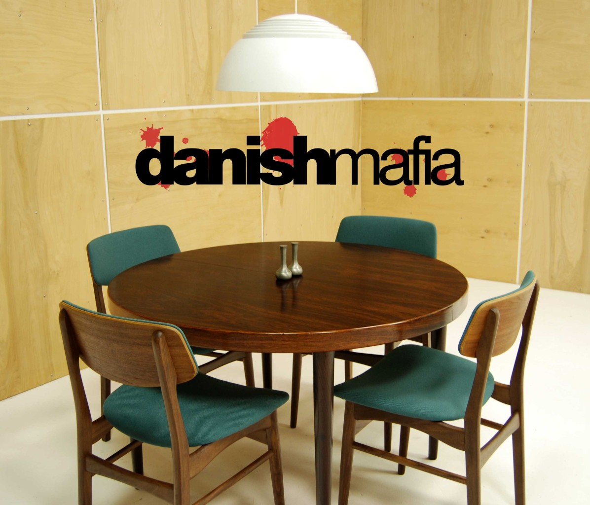 mid century danish modern rosewood round oval dining table w 1 leaf eames mid century kitchen table MID CENTURY DANISH ROSEWOOD ROUND DINING TABLE 9