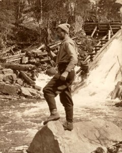 tt3-tom-thomson-fishing4