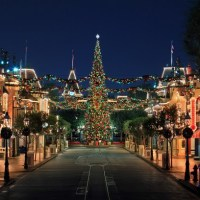 Holidays at the Disneyland Resort to Begin November 13