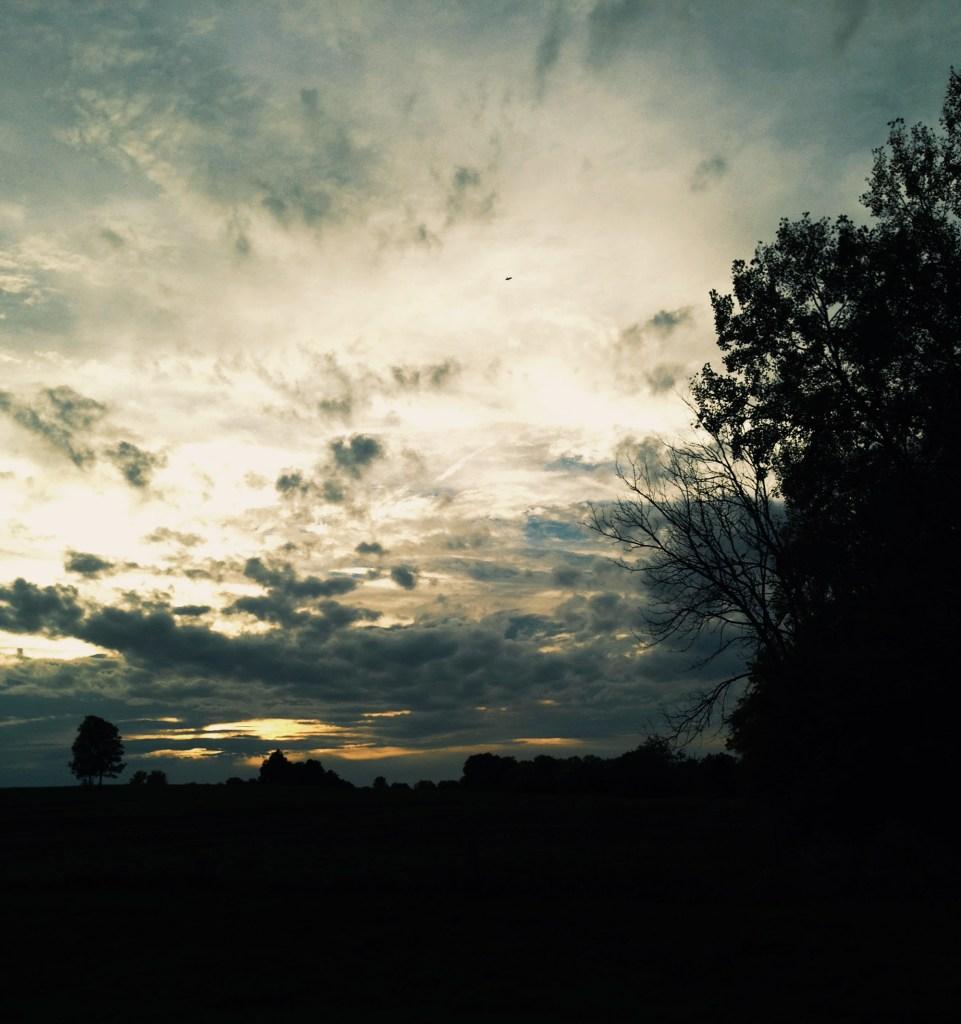 Midwest sunset / Darker than Green