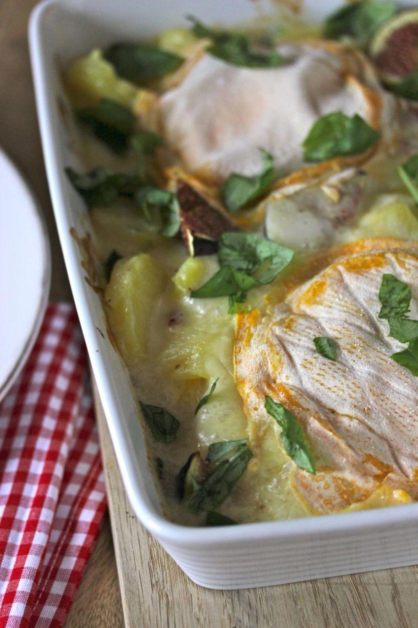 Crème-fraîche-Kartoffeln-mit-Speck-Zwiebeln-überbacken- Cremoulin-verfeinert-mit-Feigen-und-Basilikum-zubereitet