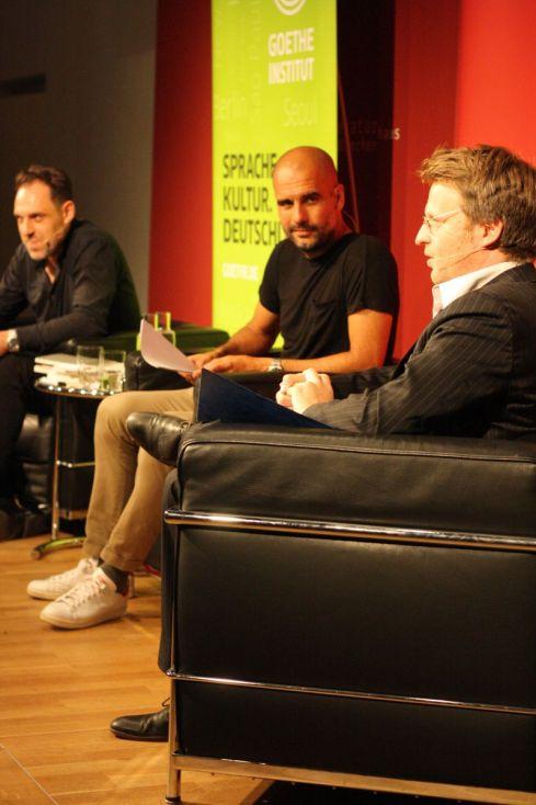 Michael Ebmeyer, Pep Guardiola, Thomas Loibl (von vorne nach hinten). Foto: Jan-Eike Hornauer