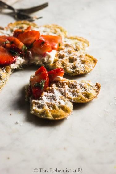 Mohnwaffeln mit Erdbeeren (168 von 174)