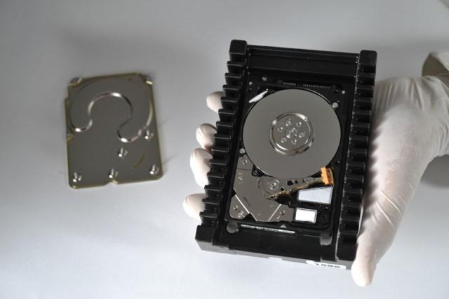 komora-hard-diska_data-solutions-laboratorija