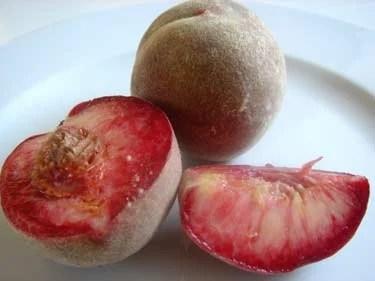 peachesdevignes2.jpg