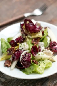 winter salad recipe blog pears pecans gorgonzola