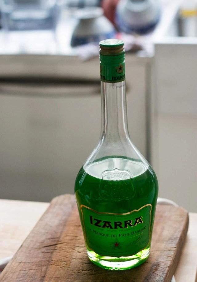 Izarra liqueur