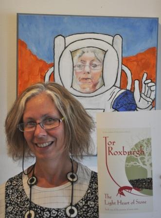 Tor_Roxburgh_with_book_cover