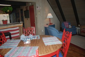 This cottage is approx. 4 miles from I-75 and a short drive from Mackinaw City, Petoskey, Harbor Springs, and Bay Harbor