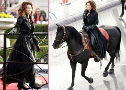 Shania Twain Horseback?  Singer Makes Grand Arrival In Vegas
